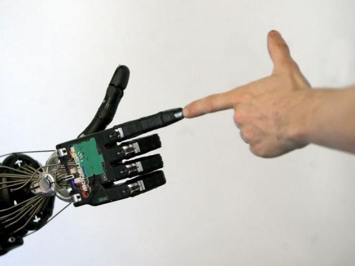 Las máquinas humanas. La compresión de complejidades sociales para inteligencias no artificiales